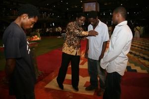 TB Joshua prays in the name of Jesus Christ...