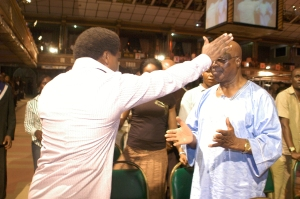 TB Joshua Prays for Moses Adeola