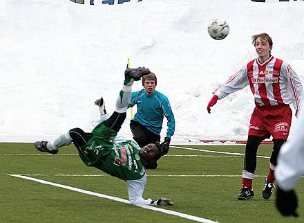 Sani Emmanuel In Sweden