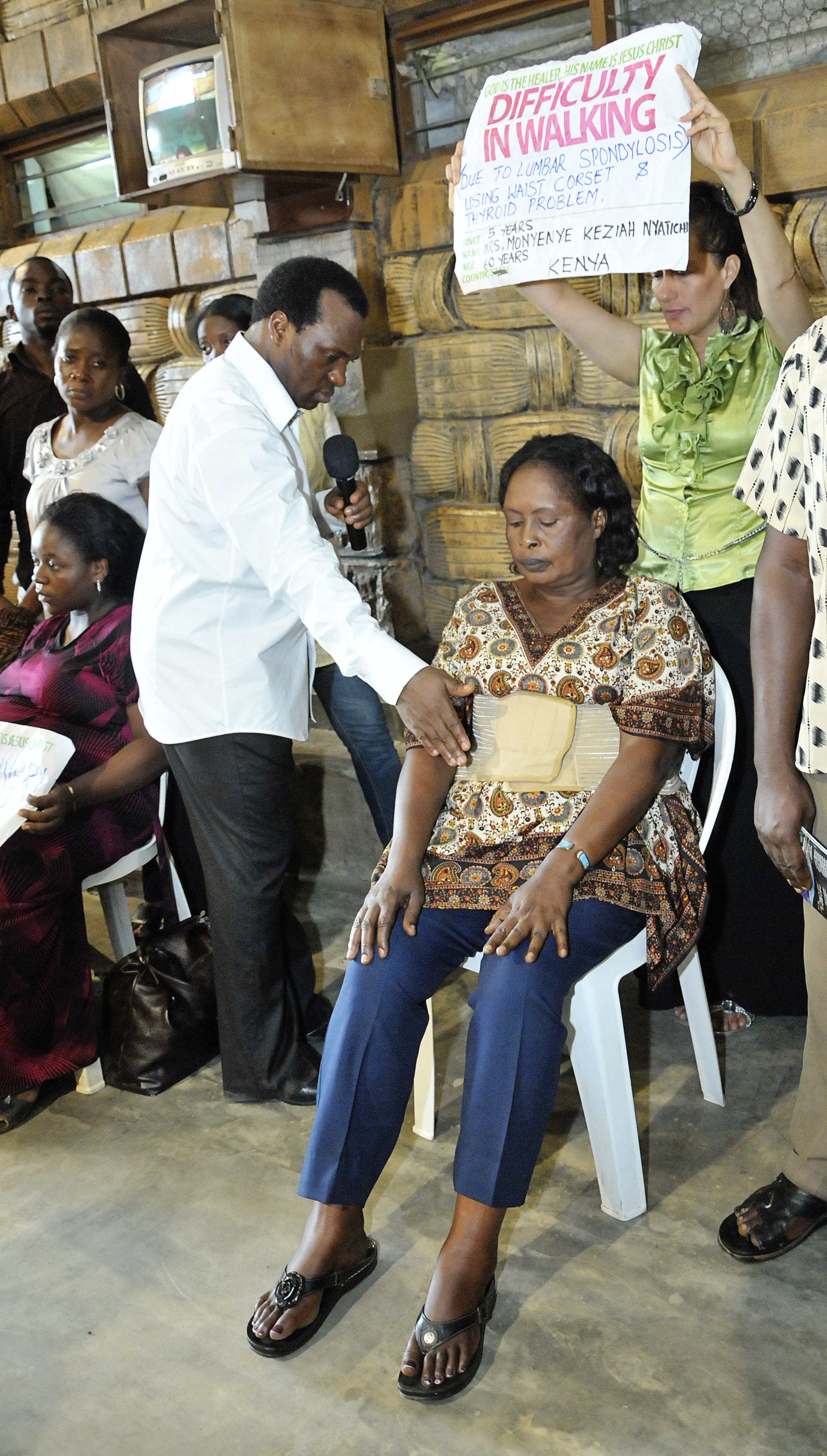 Couple welcome their first baby after 17 years of childlessness and prayers at TB Joshuas church