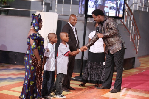 TB Joshua With Family