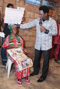 PROPHET T.B. JOSHUA PRAYS FOR RUTH KAFUNDA
