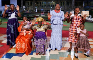 MS NKECHI UWAIFO & FAMILY (2)